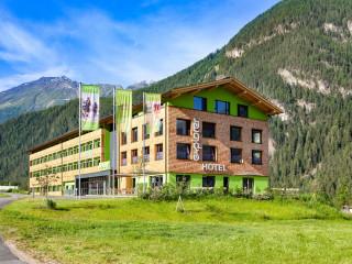 童話仙境下的綠色天堂 奧地利Ötztal渡假飯店